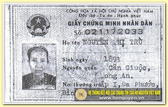 Giấy Chứng minh nhân dân của cụ Nguyễn Thị Trù.
